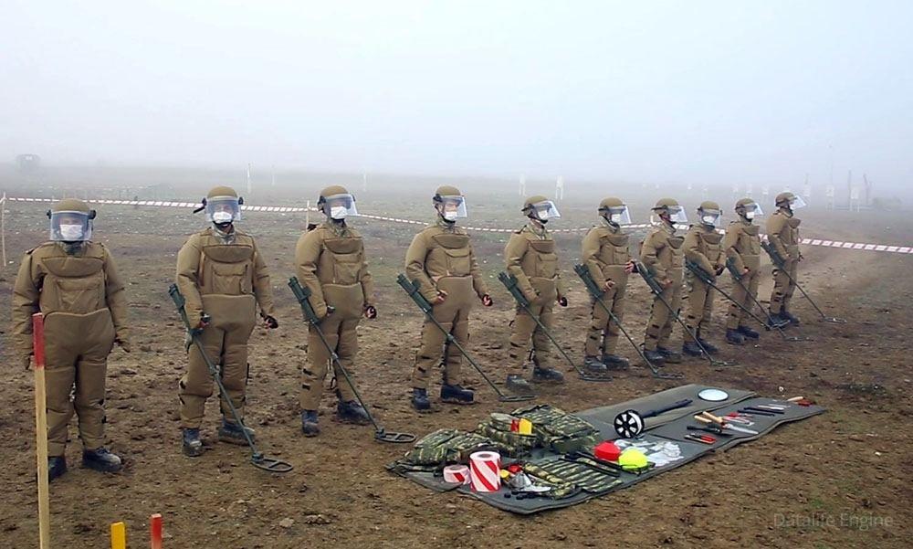 Türkiyəli hərbi istehkamçılar mühəndis təminatı üzrə məşqlər keçirir