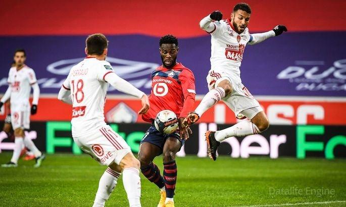 """""""Lil"""" Fransa futbol çempionatında """"Lion""""a qalib gələrək liderliyini qorudu"""