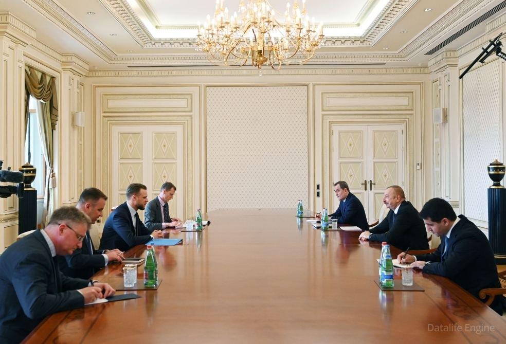 Prezident İlham Əliyev Litvanın xarici işlər nazirinin başçılıq etdiyi nümayəndə heyətini qəbul edib